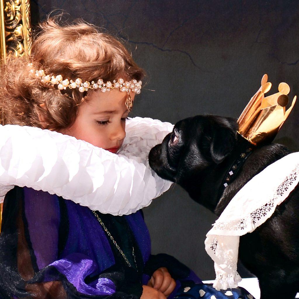 Costume Pug and Girl